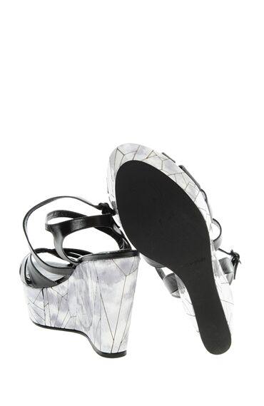 Topuklu Siyah Ayakkabı