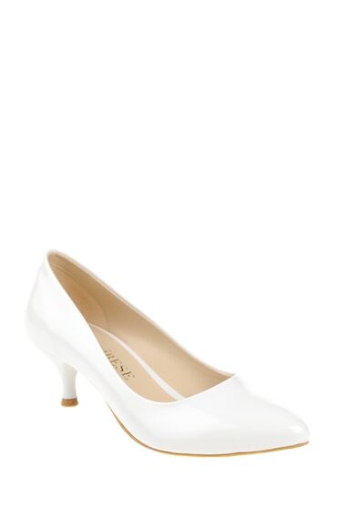 Alçak Topuklu Beyaz Ayakkabı