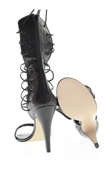 Siyah Topuklu Bağcıklı Ayakkabı