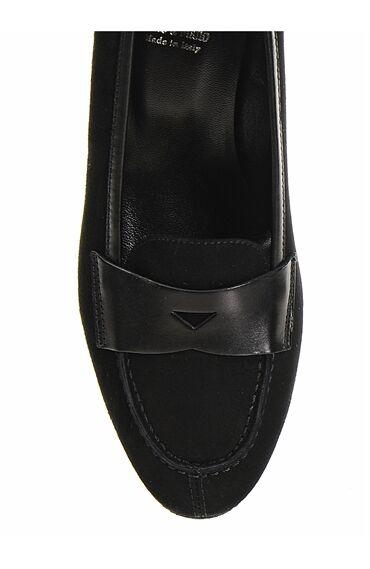 Siyah Deri Alçak Topuklu Ayakkabı