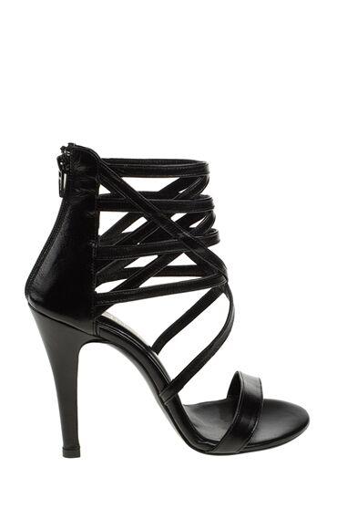 Siyah Topuklu Deri Ayakkabı