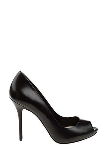 Topuklu Siyah Deri Ayakkabı