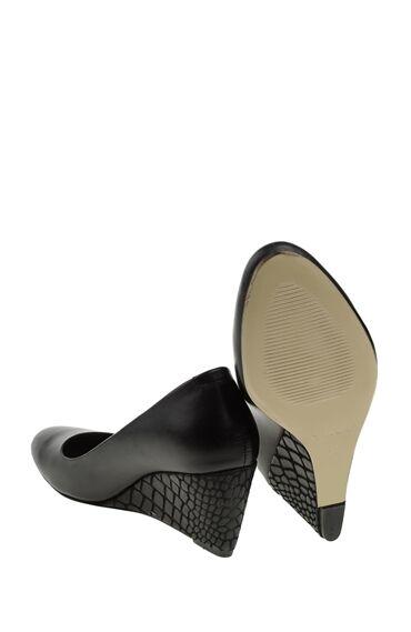 Topuklulu Siyah Ayakkabı