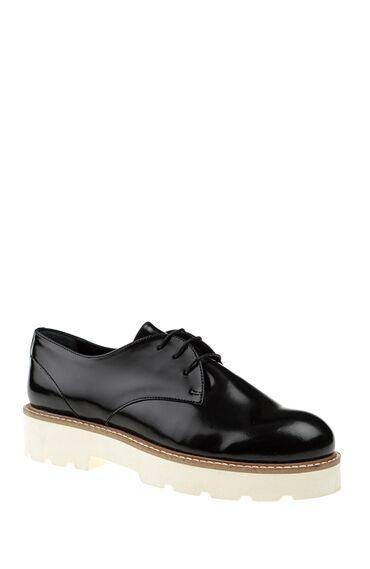 Bağcıklı Siyah Ayakkabı