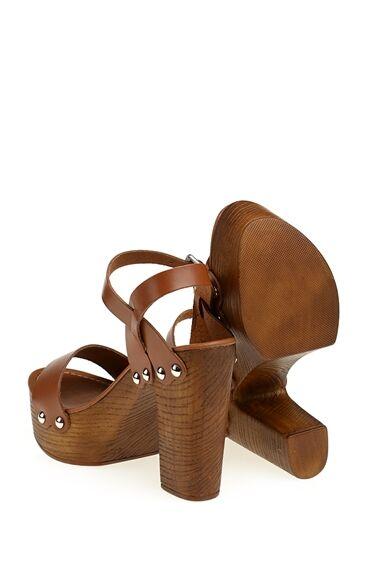 Taba Bantlı Deri Sandalet