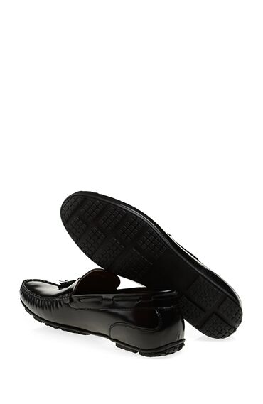 Püskül Detaylı Siyah Ayakkabı