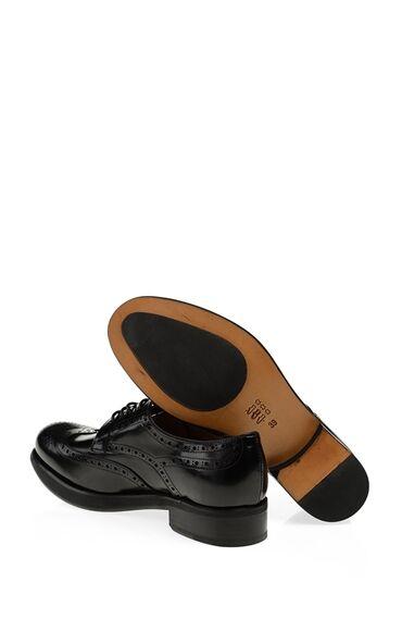 Zımbalı Tasarım Siyah Ayakkabı