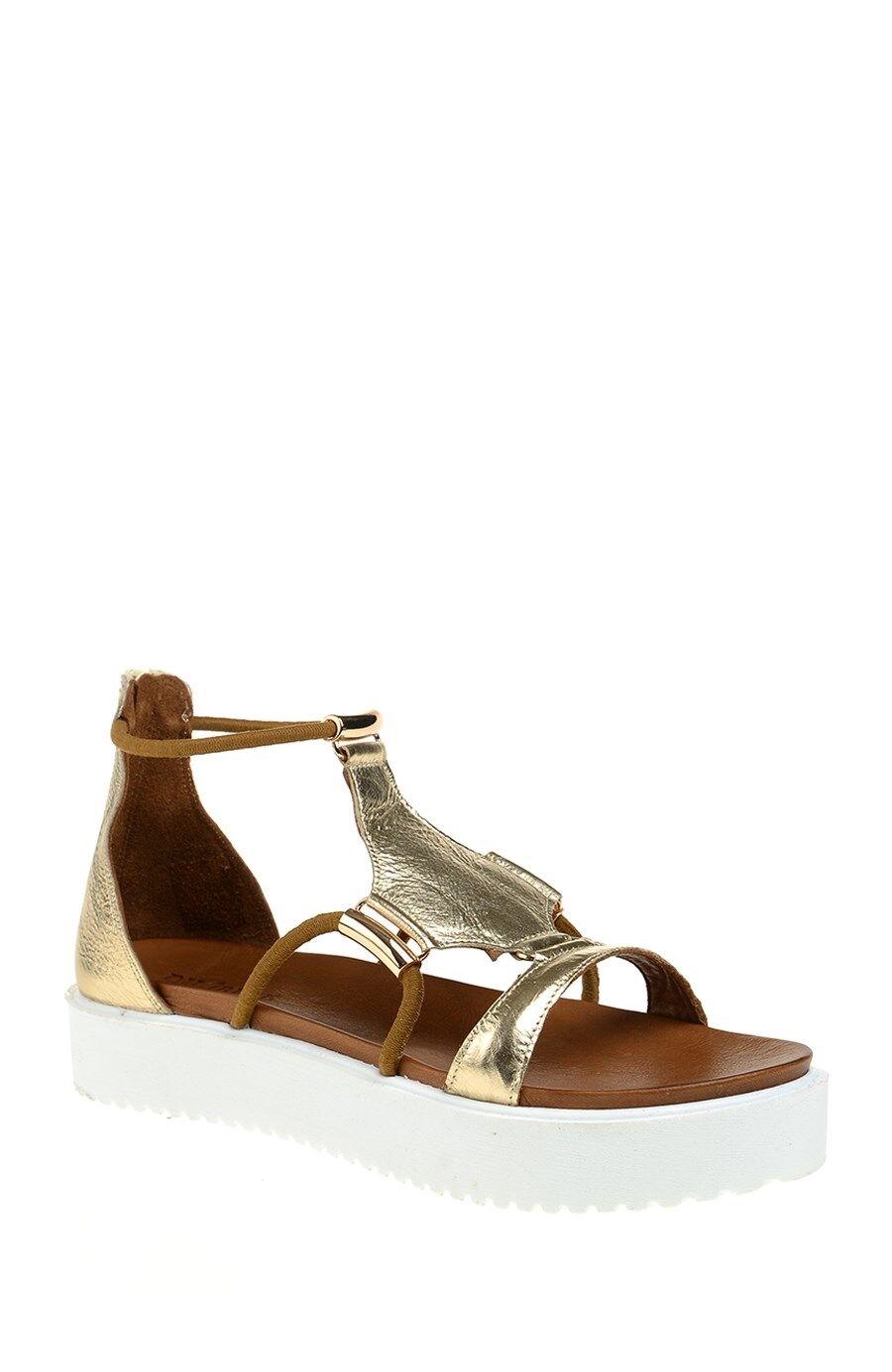 Altın Sandalet