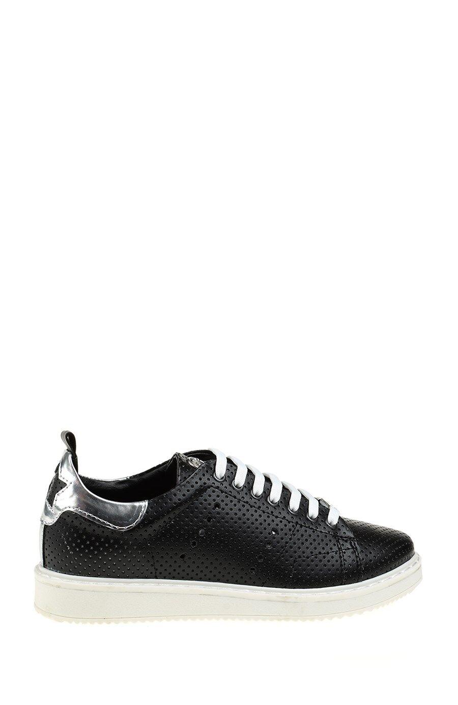 Yıldız Detaylı Siyah Sneaker
