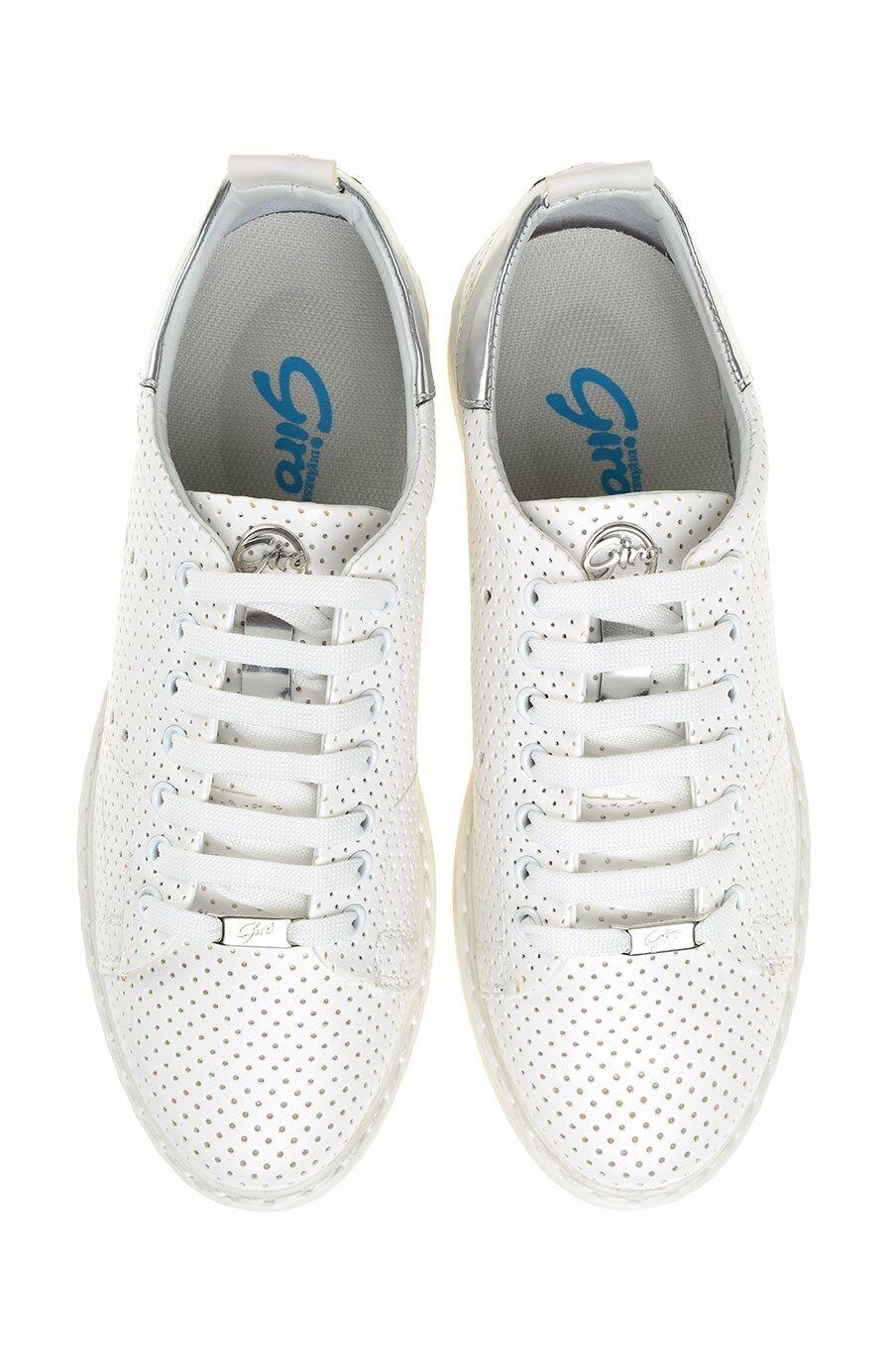 Yıldız Detaylı Beyaz Sneaker