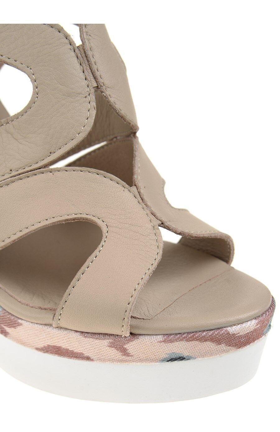Dolgu Topuklu Vizon Sandalet