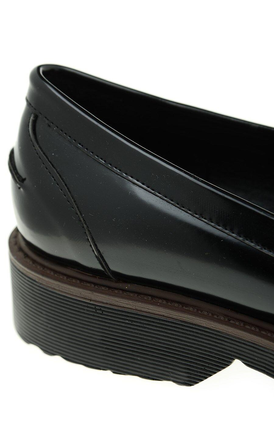 Siyah Püsküllü Loafer
