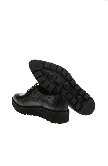 Yılan Derisi Baskılı Ayakkabı