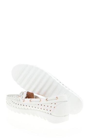 Beyaz Delikli Deri Loafer