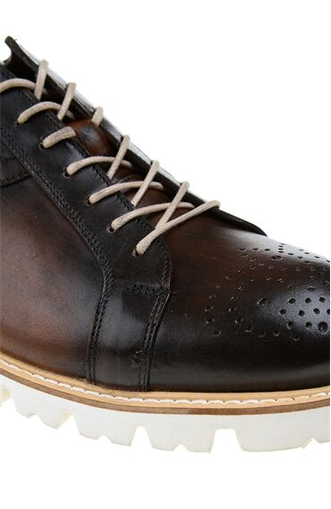 Zımba Desenli Kahverengi Bağcıklı Deri Ayakkabı