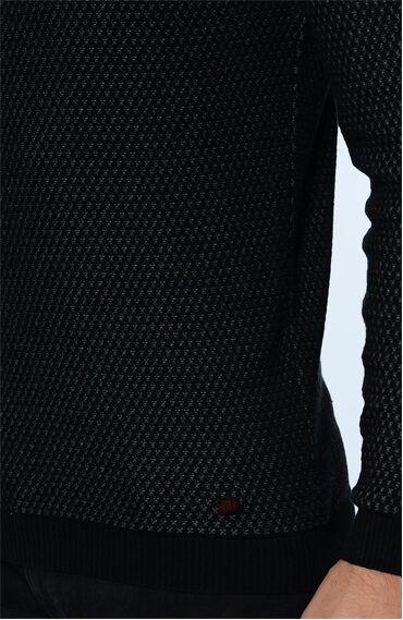 Jakarlı Siyah Kazak