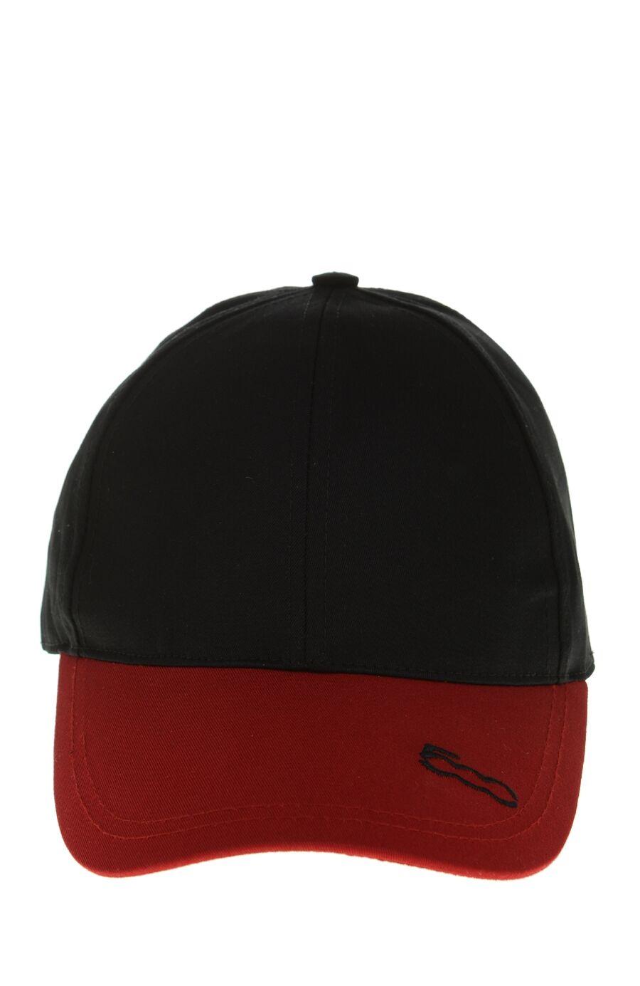 Siyah Kırmızı Şapka