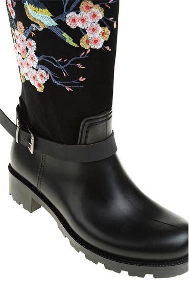 Nakışlı Siyah Çizme