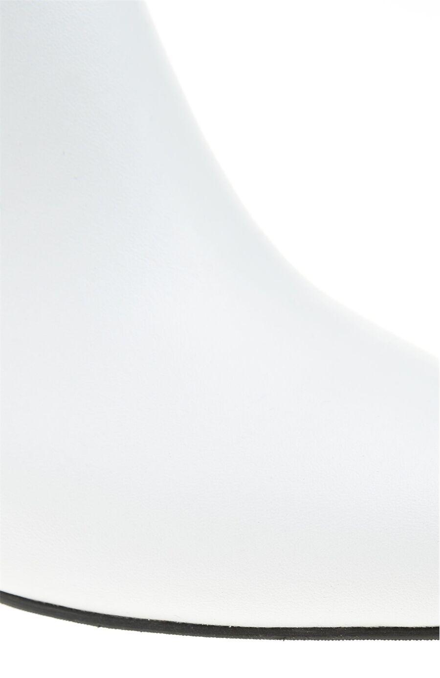 Beyaz Deri Bot