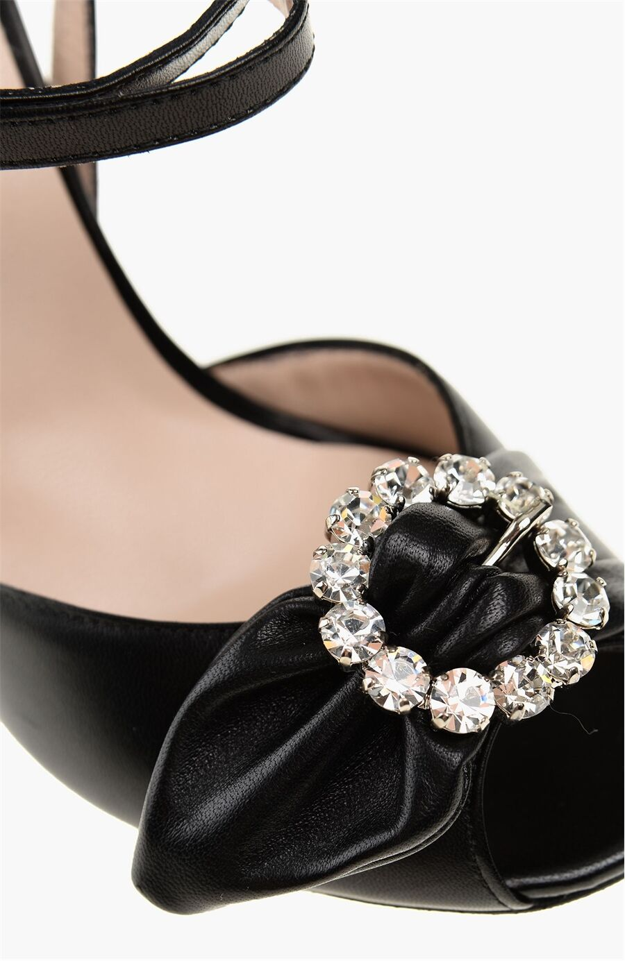 Siyah Taşlı Deri Sandalet