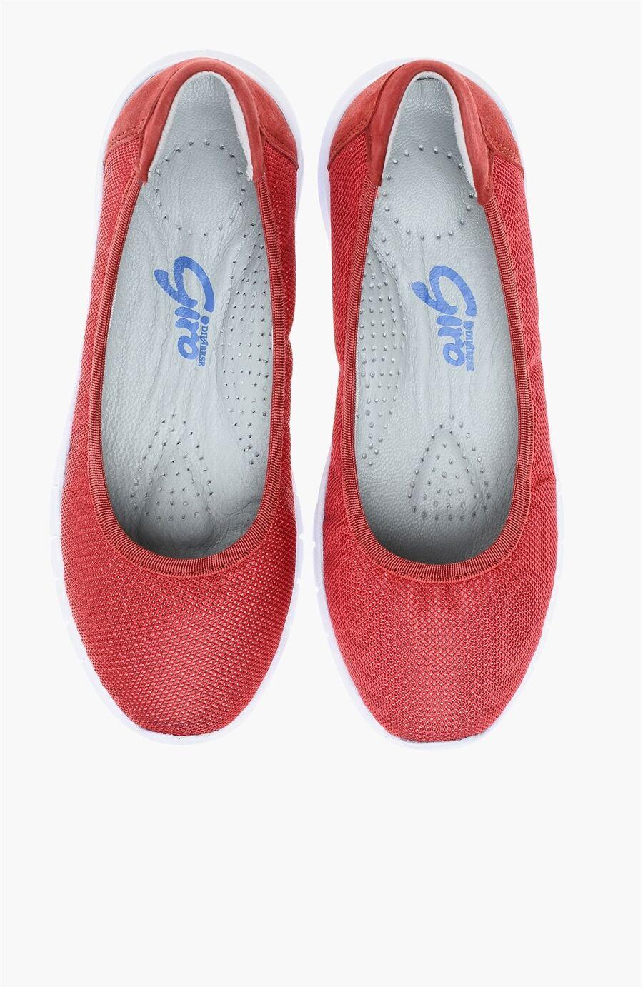 Delikli Kırmızı Sneaker