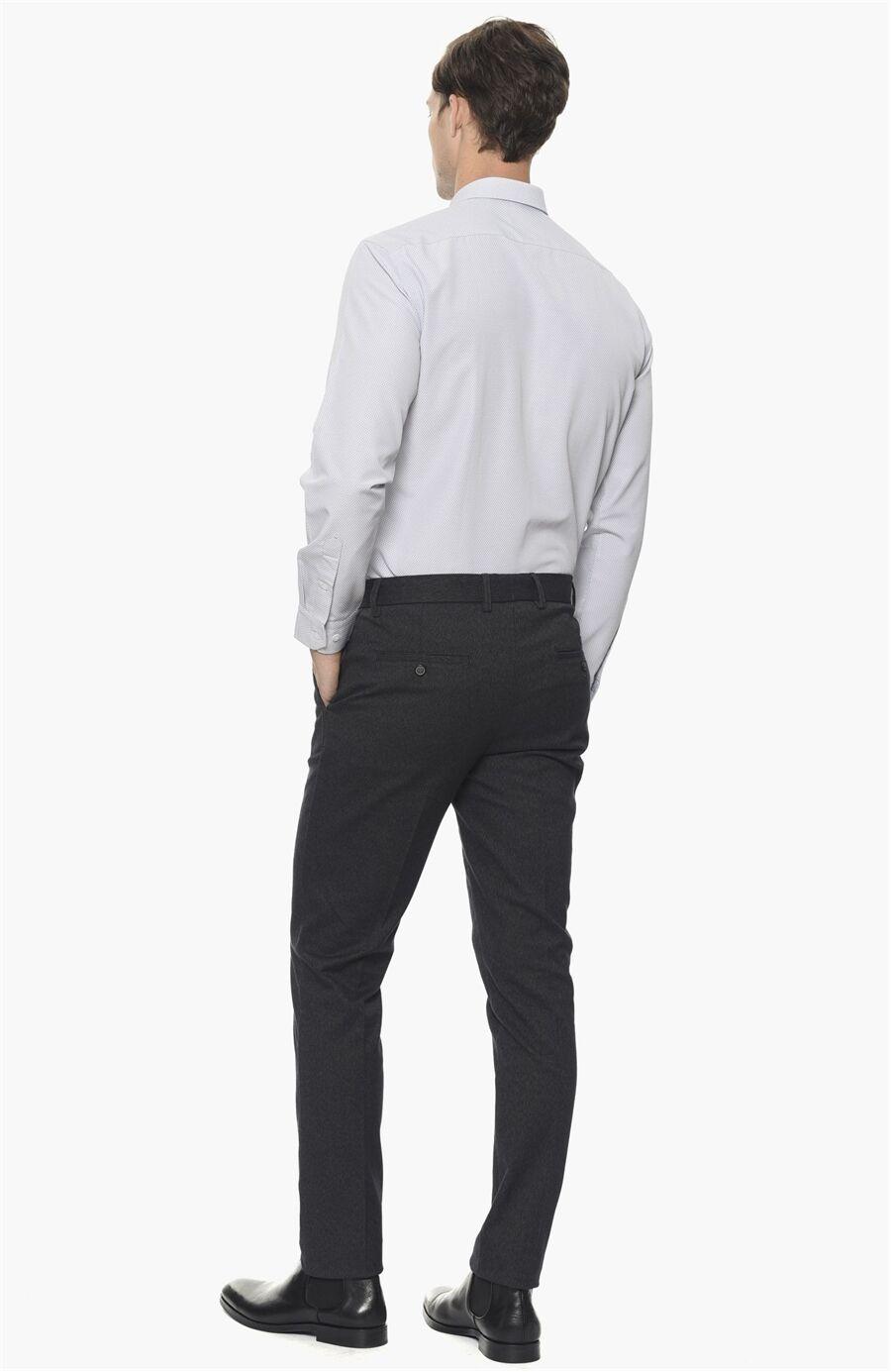 Armürlü Beyaz Lacivert Gömlek