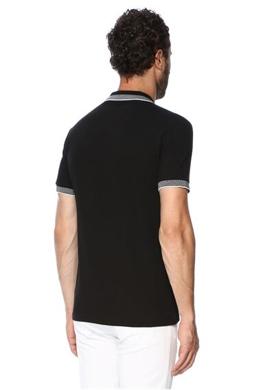 Jakarlı Siyah Tshirt