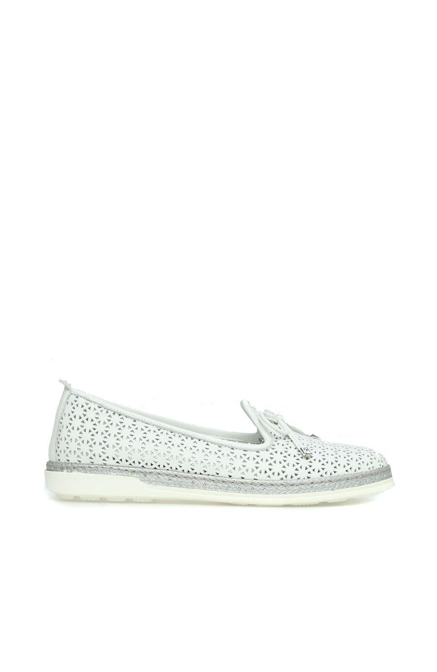 Delikli Beyaz Kadın Ayakkabı