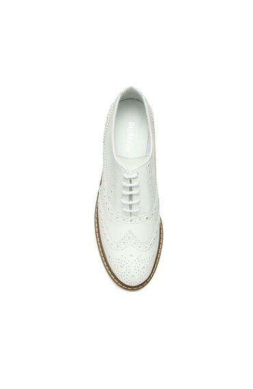 Zımbalı Beyaz Ayakkabı
