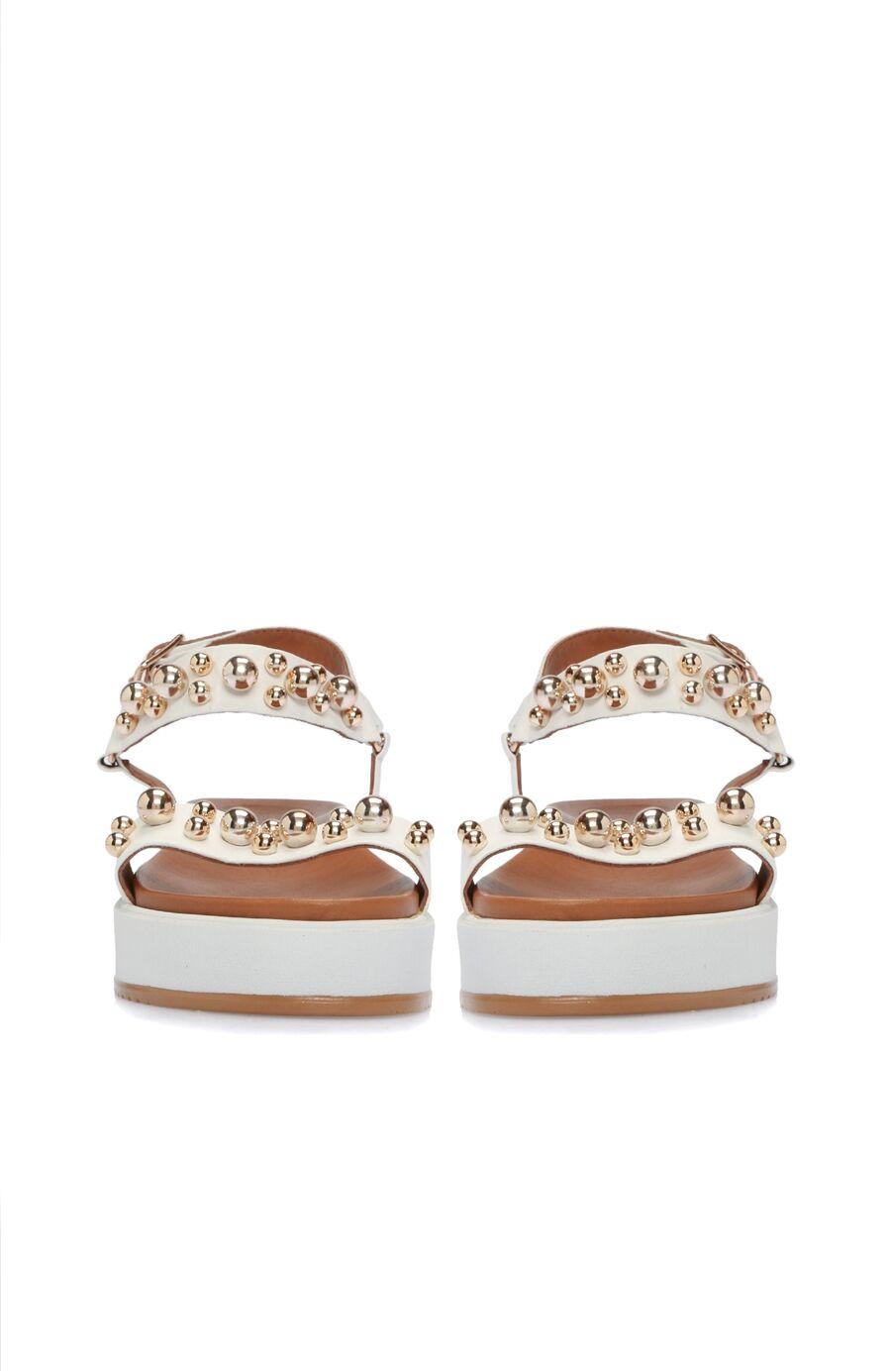 Taşlı Beyaz Kadın Sandalet