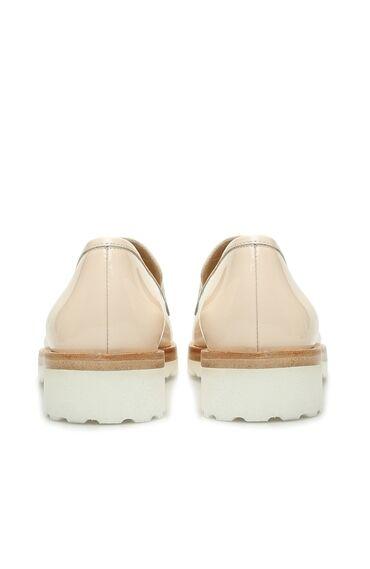 Bej Zincir Bantlı Kadın Deri Ayakkabı