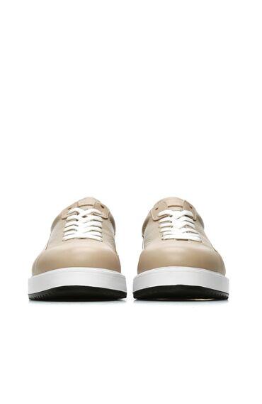 Bej Rengi Siyah Logolu Erkek Deri Sneaker