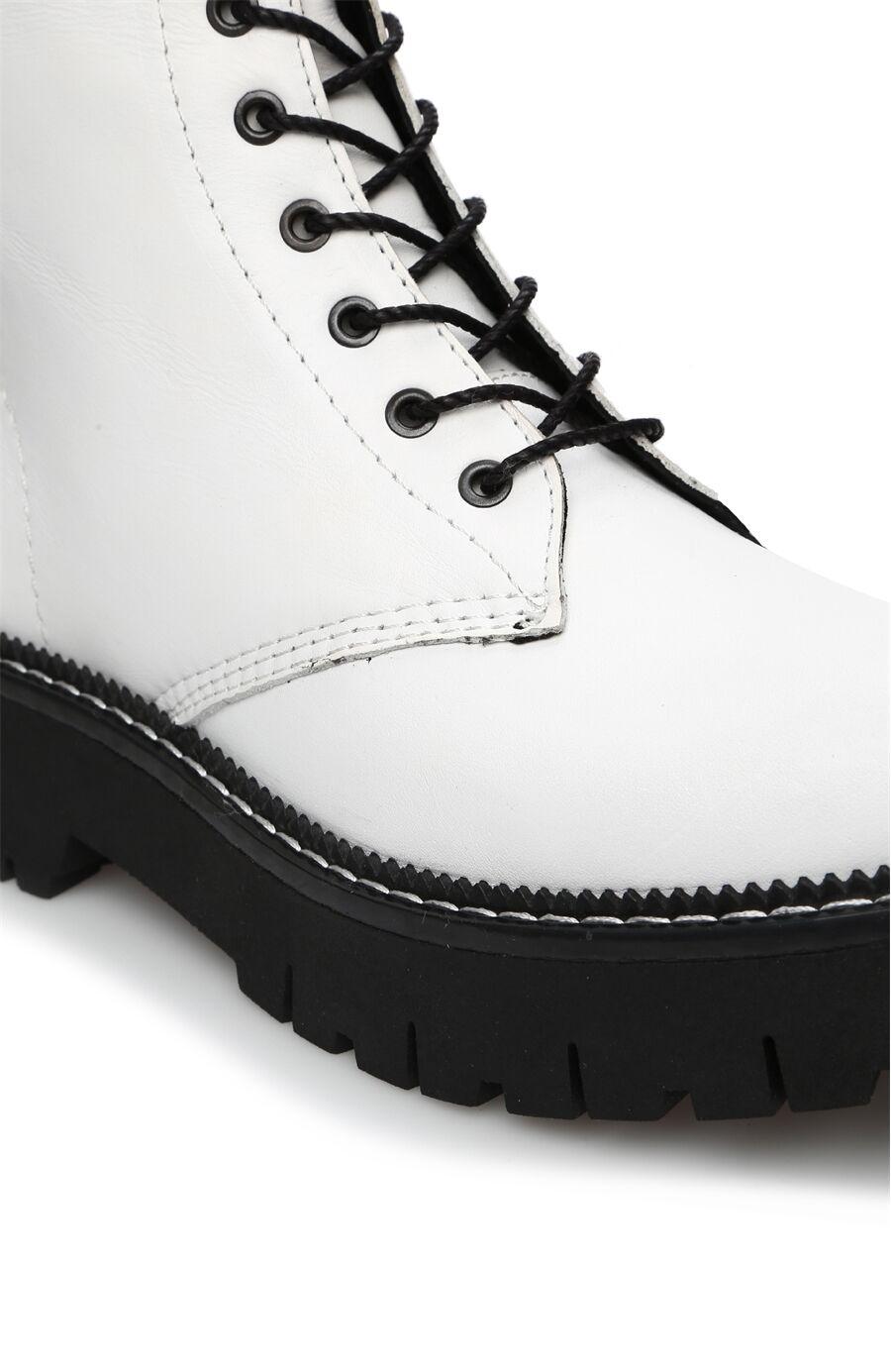 Beyaz Kadın Deri Bot