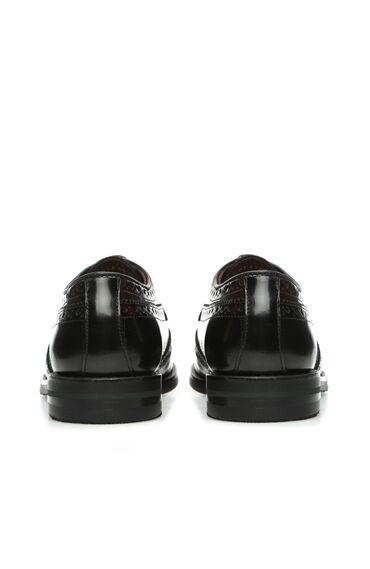 Siyah Delik Dokulu Kadın Deri Ayakkabı