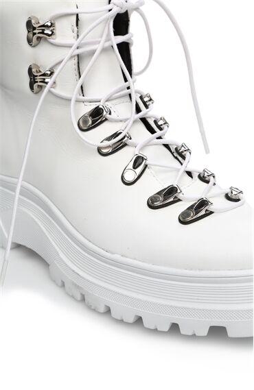 Beyaz Kadın Bot