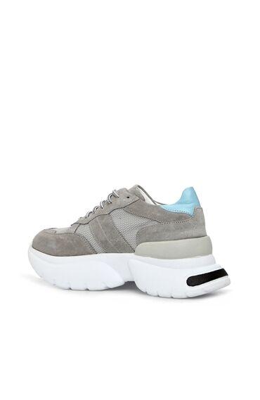 Gri Kalın Tabanlı Kadın Süet Sneaker