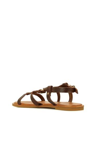Kahverengi Toka Detaylı Kadın Deri Sandalet