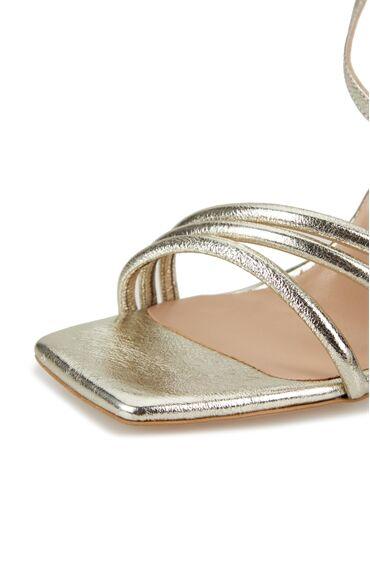 Gold Bant Detaylı Kadın Deri Sandalet