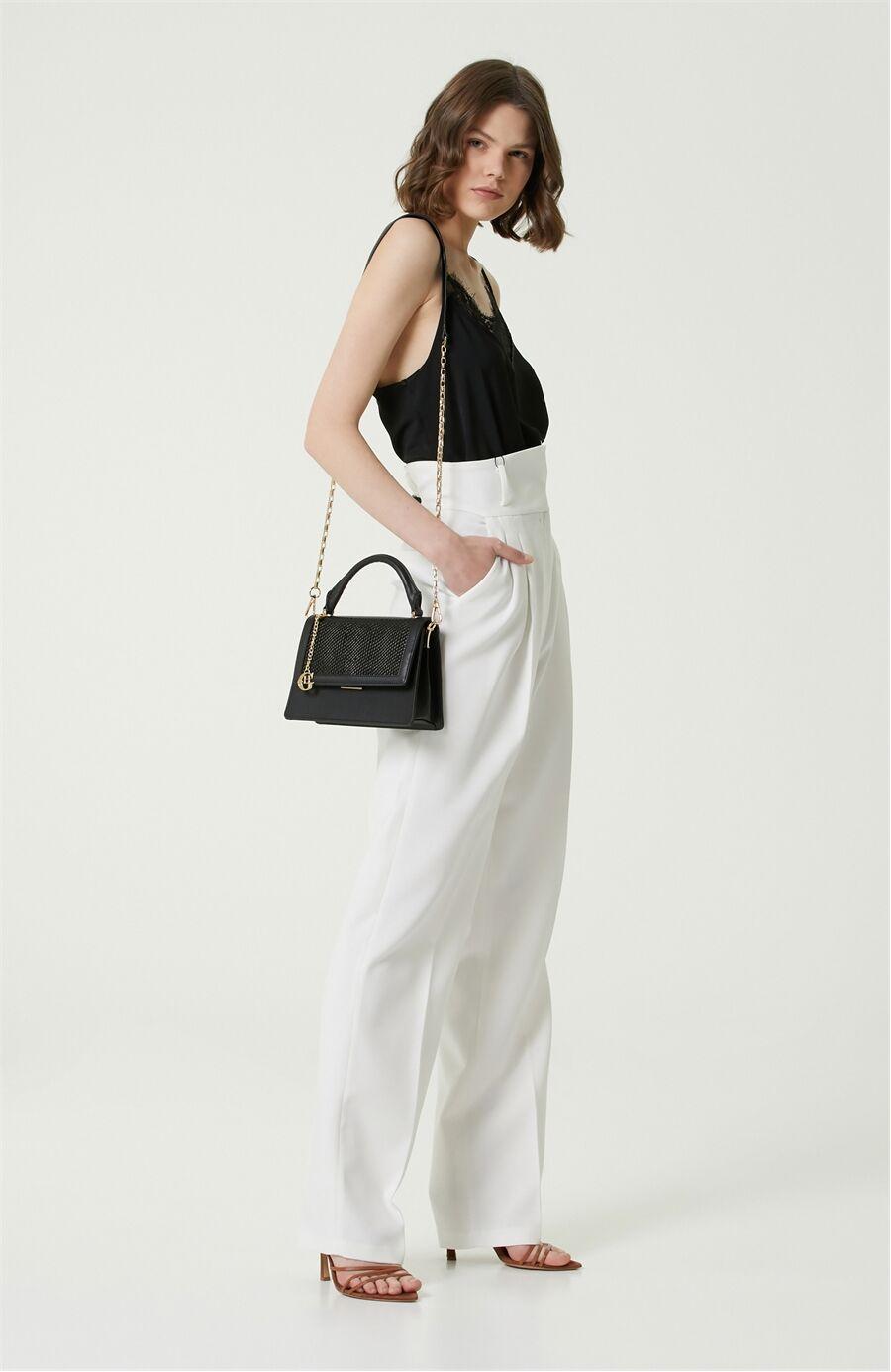 Siyah Dokulu Kadın Askılı Çapraz Çanta