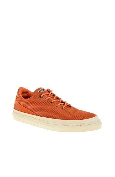 Turuncu Ayakkabı